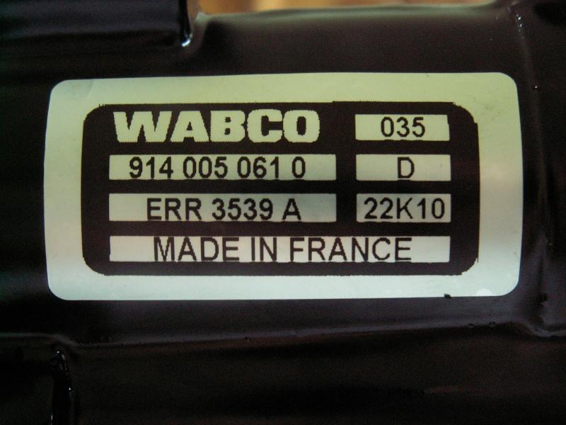 Panne d'assistance au freinage: Pompe à vide HS - Page 2 Pict0411