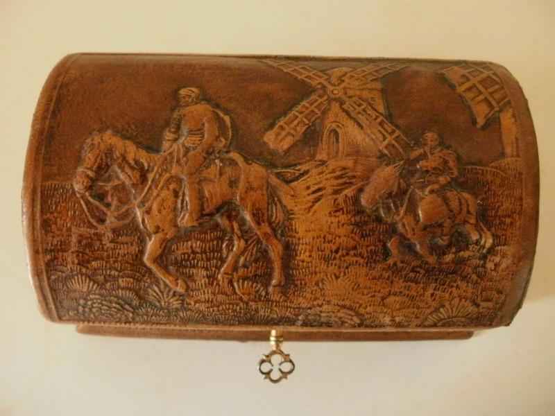 coffret en cuir de cordoue avec sa clé P3060014