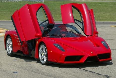 Quelle est pour toi la plus belle voiture qui existe,ou qui existait au monde? Ferrar10