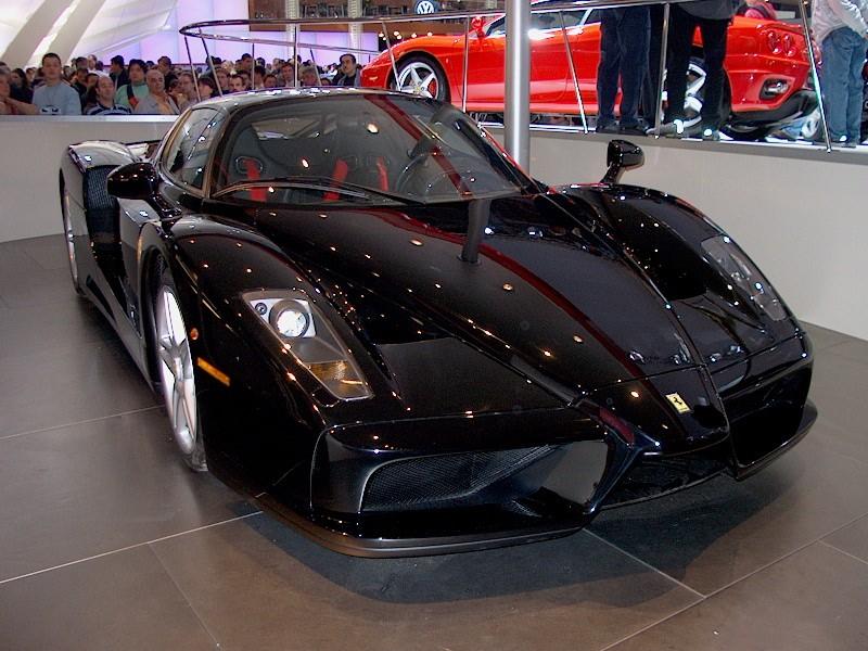 Quelle est pour toi la plus belle voiture qui existe,ou qui existait au monde? Ferrar11