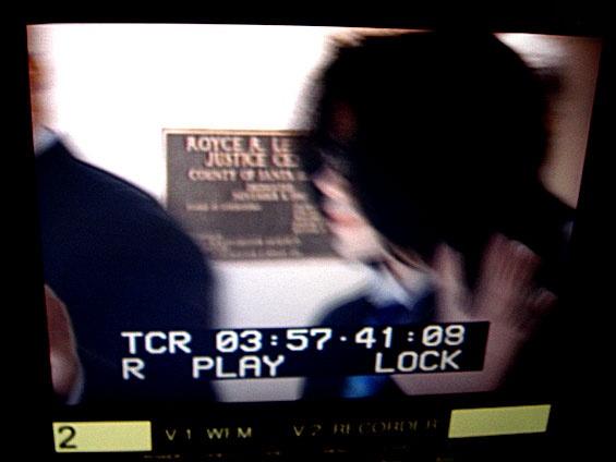 Processo a Michael Jackson 2005 - Pagina 2 D_bmp12