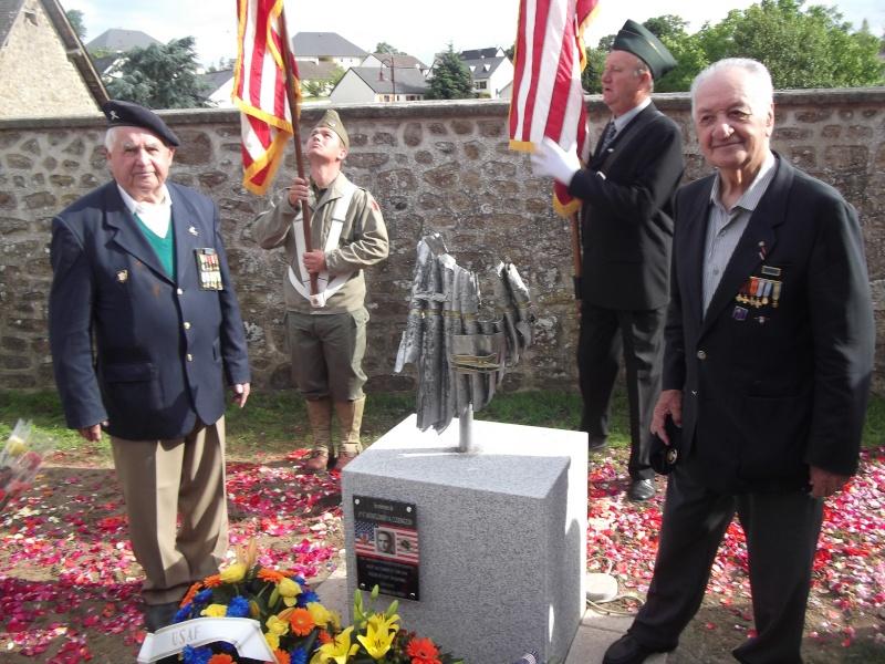 Inauguration et Cérémonie en Hommage au 2nd Lt. Montgomery A. Coddington 474th Fighter Group, KIA le 7 Juin 1944. Dscf0410