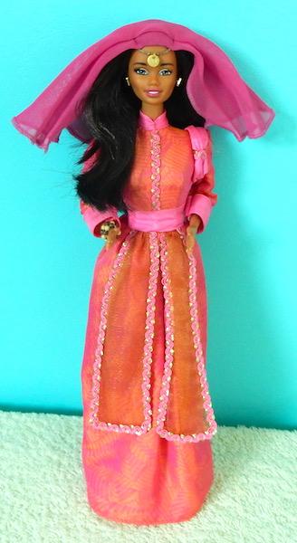 La collection de barbie de Mango - Page 5 Dscn1716