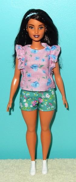 La collection de barbie de Mango - Page 5 Dscn1729