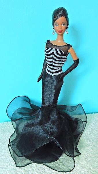 La collection de barbie de Mango - Page 5 Dscn4610