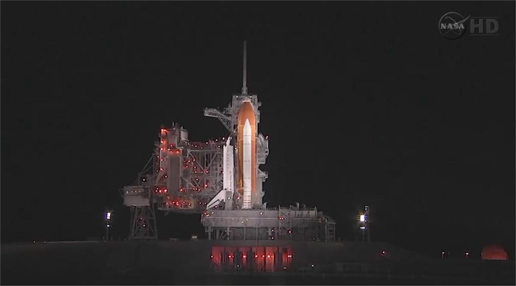 [STS-134] Endeavour: Suivi du lancement ( NET 16.05.2011) Adobe_10