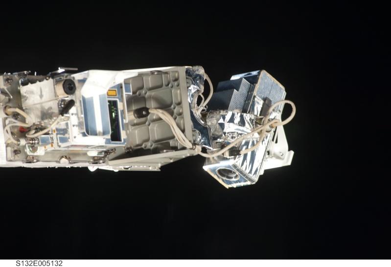 [STS-134] Endeavour: Déroulement de la mission.   - Page 4 S132e010