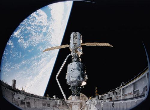 [STS-134] Endeavour: Déroulement de la mission.   - Page 4 S9903710