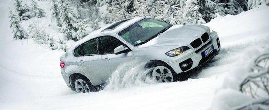 Se apropie zapada - 10 pasi ca sa-ti pregatesti masina de iarna   Serial10