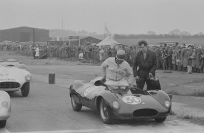 Les insolites du sport automobile. - Page 4 Insol153