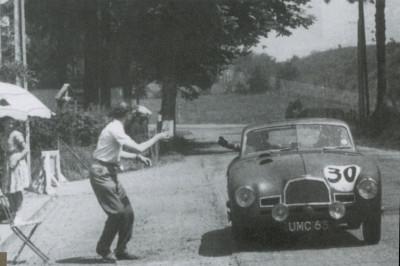 Les insolites du sport automobile. - Page 5 Insol213