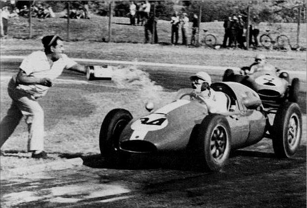 Les insolites du sport automobile. - Page 7 Insol260