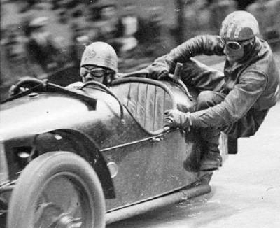 Les insolites du sport automobile. - Page 3 Insoli92