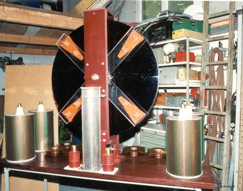 Статика, Электростатическая машина Wimhurst 12040010