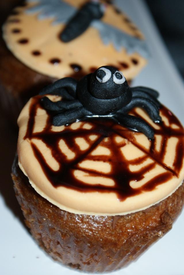 muffins et cupcakes d'halloween - Page 5 Dsc02412