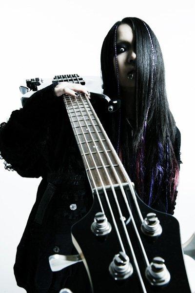 Naoto [basse] 24934710