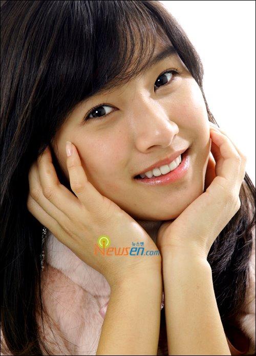 Kim So Eun transforms into candy girl Kimsoe11