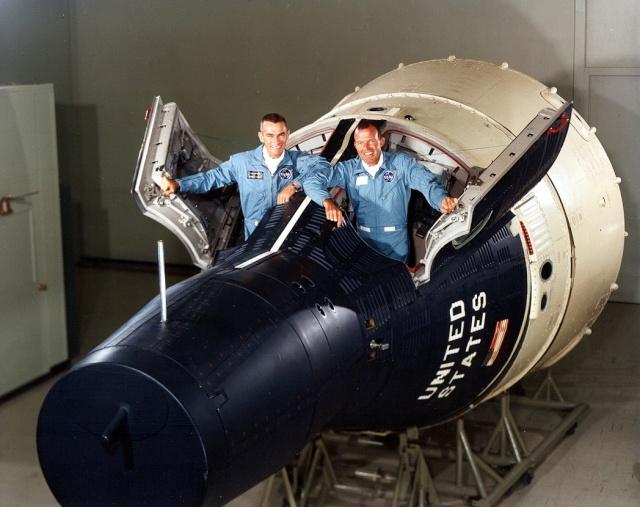 Photos rares et/ou originales, de préférence inédites sur le forum Gemini12