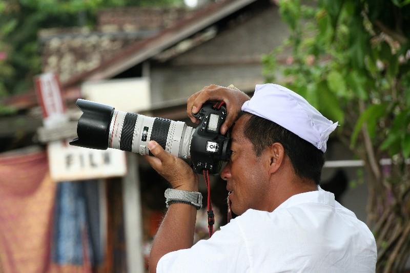 Photographes photographiés (fil ouvert) - Page 3 12_jui15