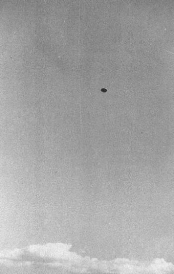 UFO Pictures Taken in Lac Chauvet, France 1952 1952-j10