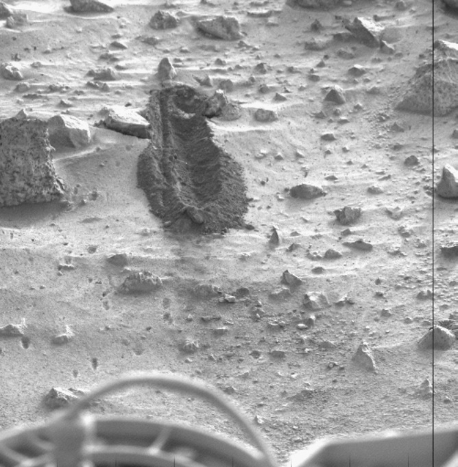 Mars - Lander and Rover Images Vik10