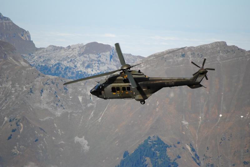 [Concours n°4] Les hélicoptères (vos préférés) Dsc_0035