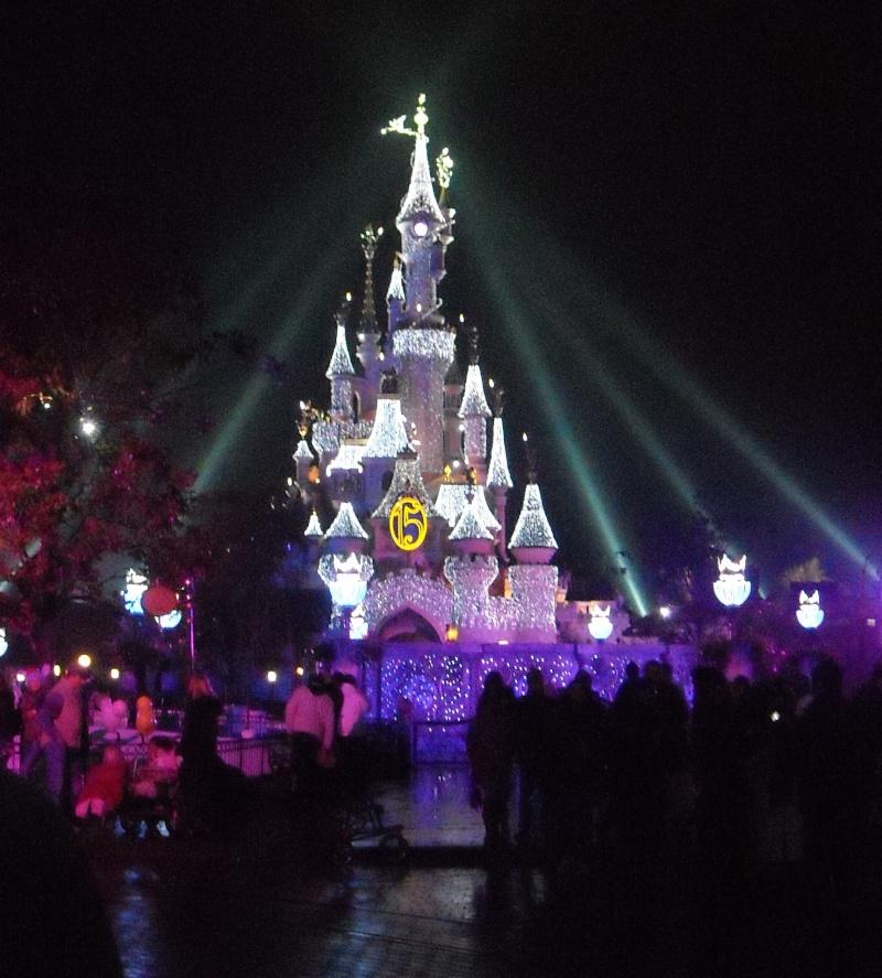 """Saison de Noël 2010 """"Le Noël Enchanté de Disneyland Paris"""" (du 07 novembre 2010 au 06 janvier 2011) - Page 7 15110"""