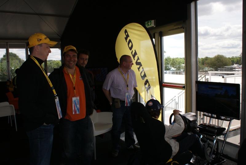 THRUSTMASTER et GAME-SEAT T500RS s'invitent au 24h du mans 2011 Dsc08110