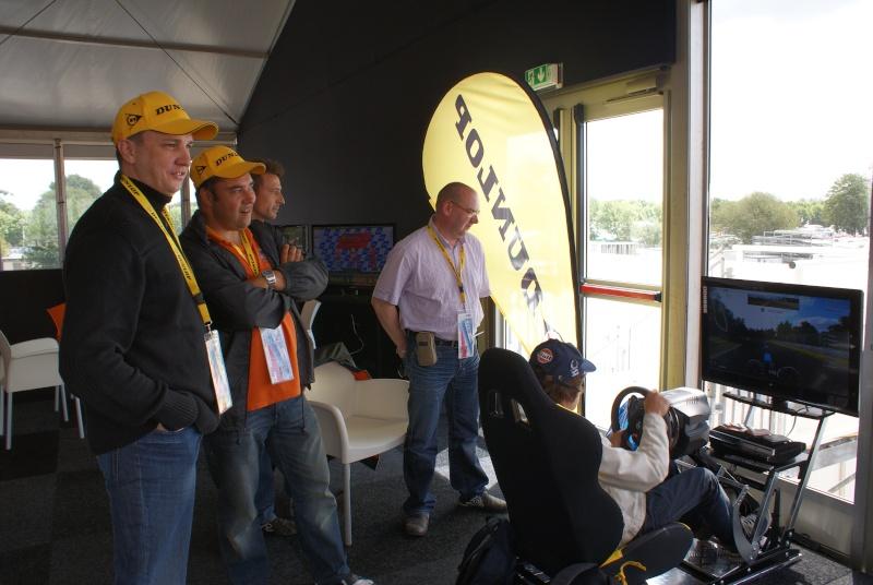 THRUSTMASTER et GAME-SEAT T500RS s'invitent au 24h du mans 2011 Dsc08111