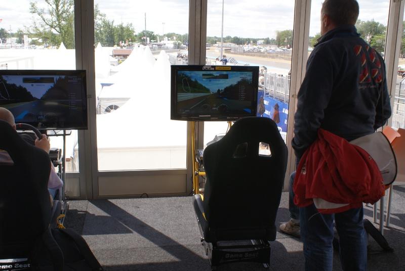 THRUSTMASTER et GAME-SEAT T500RS s'invitent au 24h du mans 2011 Dsc08113