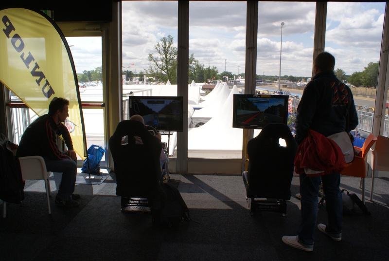 THRUSTMASTER et GAME-SEAT T500RS s'invitent au 24h du mans 2011 Dsc08114