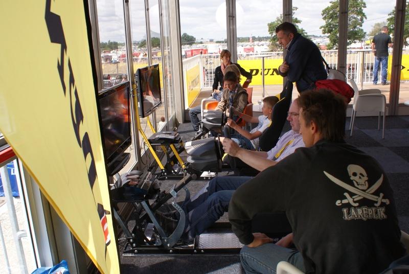 THRUSTMASTER et GAME-SEAT T500RS s'invitent au 24h du mans 2011 Dsc08116