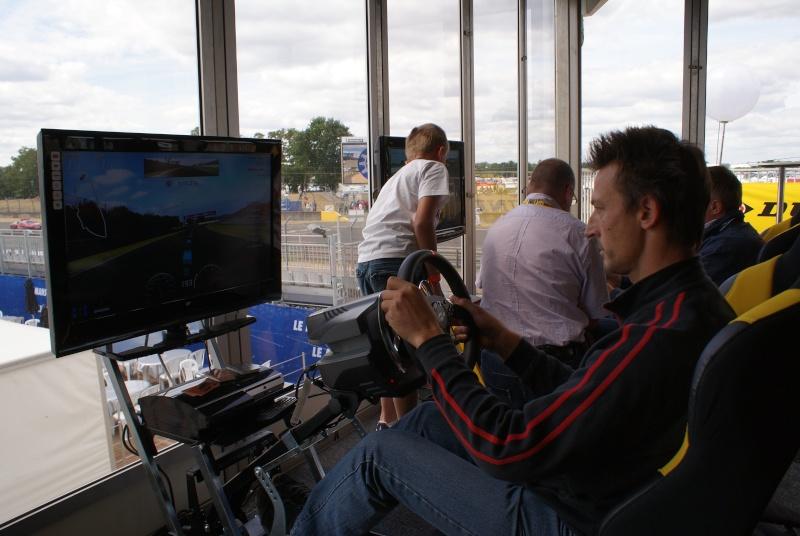 THRUSTMASTER et GAME-SEAT T500RS s'invitent au 24h du mans 2011 Dsc08121