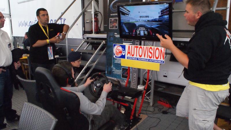THRUSTMASTER et GAME-SEAT T500RS s'invitent au 24h du mans 2011 Dsc08613