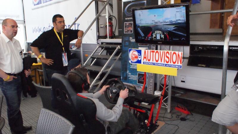 THRUSTMASTER et GAME-SEAT T500RS s'invitent au 24h du mans 2011 Dsc08614