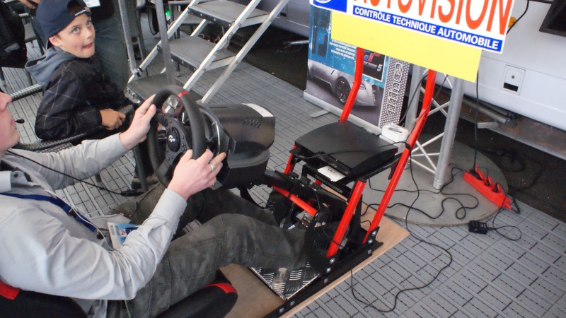 THRUSTMASTER et GAME-SEAT T500RS s'invitent au 24h du mans 2011 Dsc08615