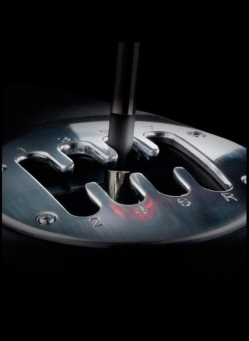Volant Thrustmaster T500 RS - Boite de vitesse - Forum Gran Turismo 5 (GT5) Thrust10