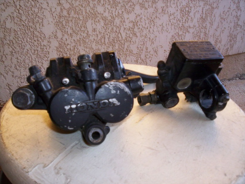 XLV 750  - nombreuses pièces 100_0214