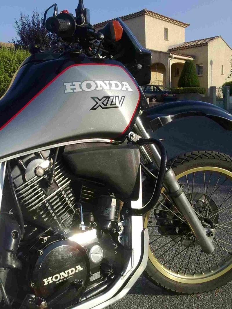 Je mets en vente ma Honda XLV 750 de 1987  Xlv-2210