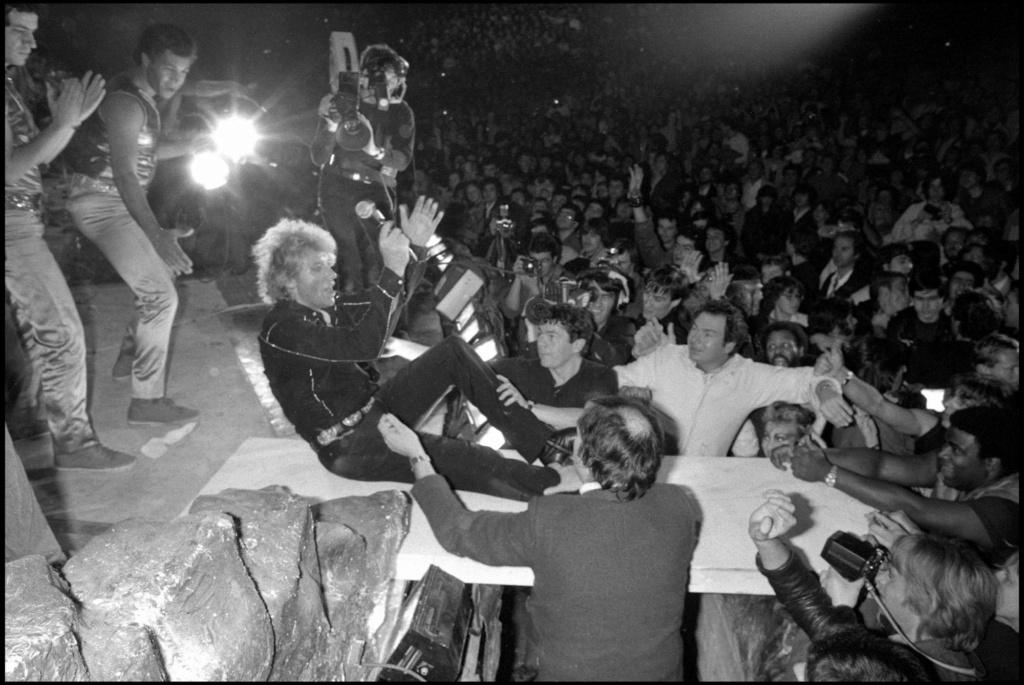 LES CONCERTS DE JOHNNY 'PALAIS DES SPORTS DE PARIS 1982' Palais10