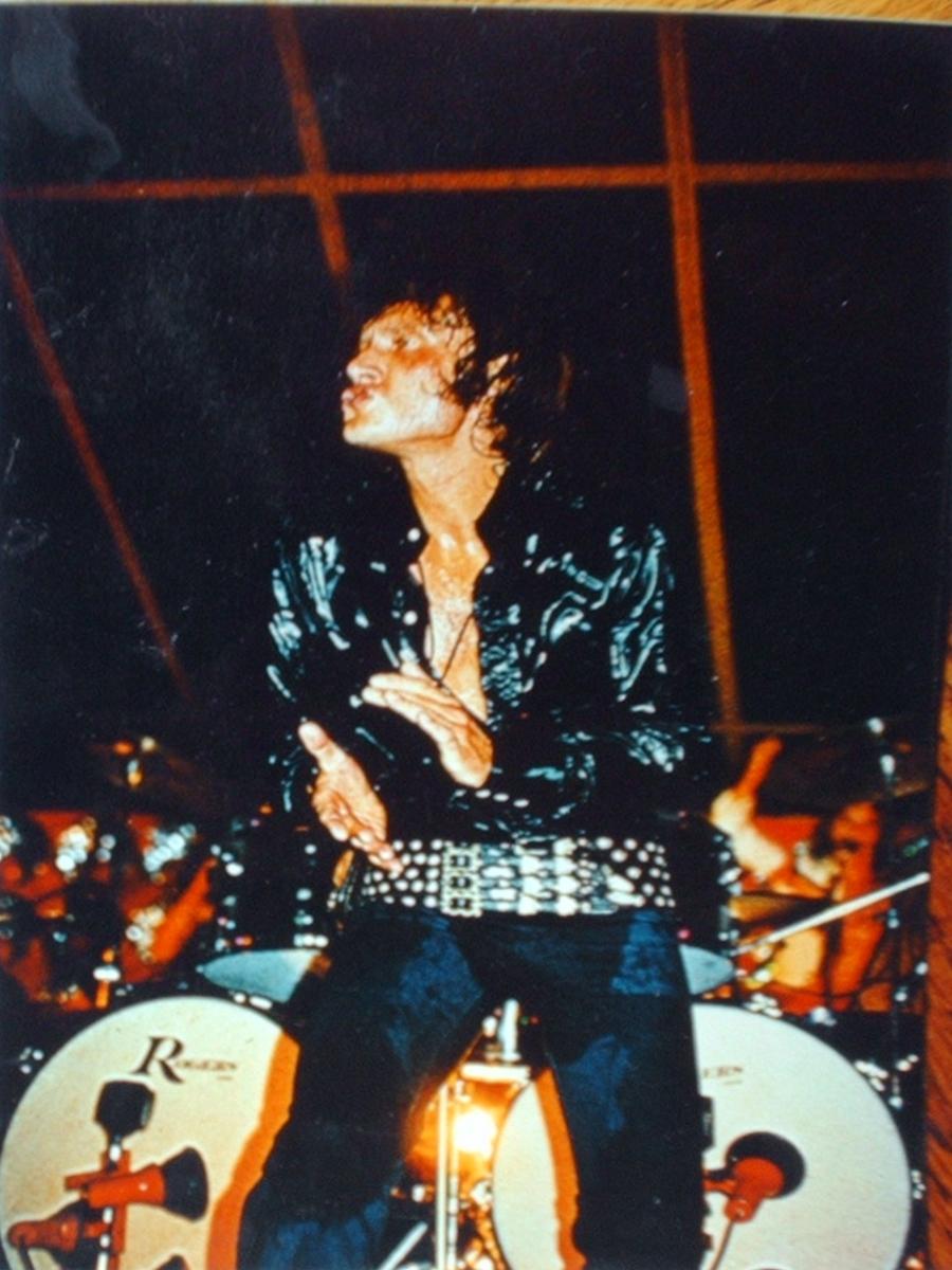 LES CONCERTS DE JOHNNY 'TOURNEE JOHNNY CIRCUS 1972' St-lz_10