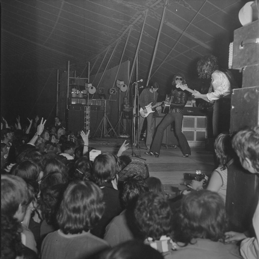 LES CONCERTS DE JOHNNY 'TOURNEE JOHNNY CIRCUS 1972' St-lz_12