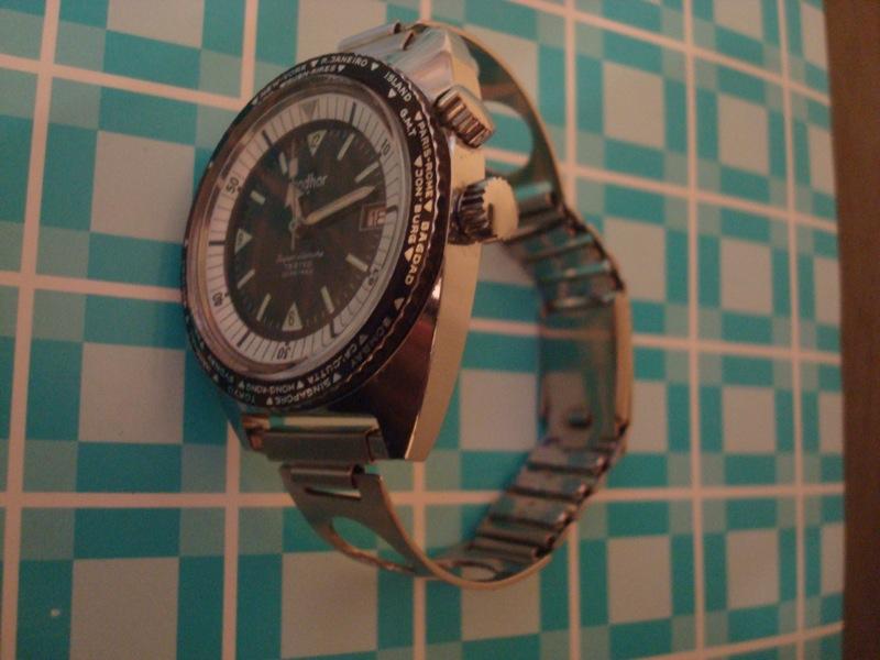 Enicar - Un post qui référence les montres de brocante... tome I - Page 25 Dsc03910