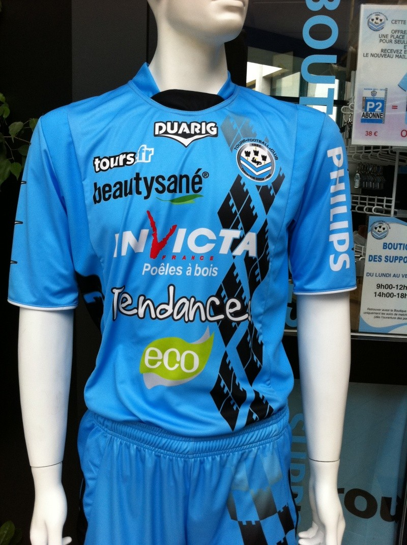 Maillots [2011-2012] - Page 3 04810