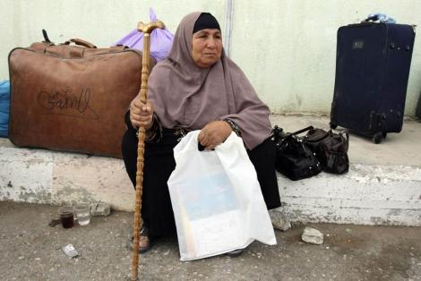 Israel considera peligrosa la reapertura de la frontera de Gaza con Egipto  Una_mu11