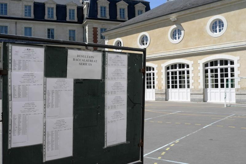 Sondage : Quelle photographie mérite d'être en en-tête du portail à partir du 13 juin 2011 ? L1040110