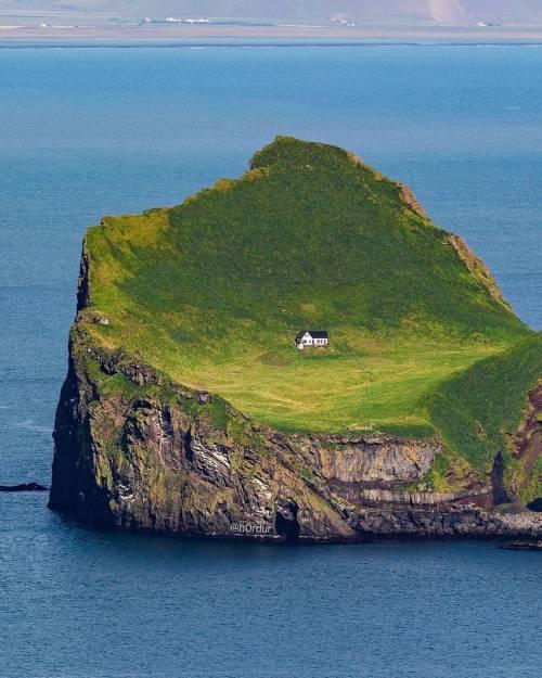 Island 17073