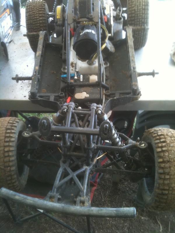 Eh un chassis pour le monsieur, un... Img_0210