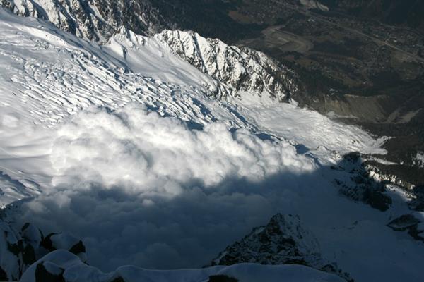 Avalanche au Glacier rond 0410