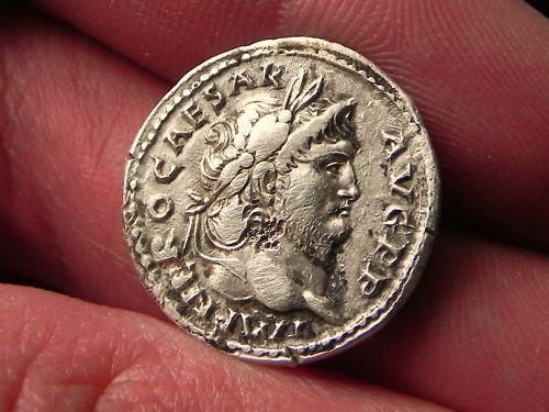 Héritage de 3 monnaies romaines, besoin d'infos Naron_10